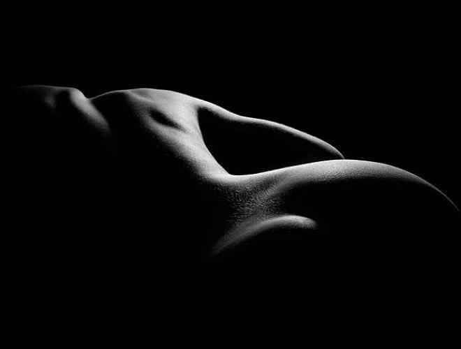 desnudo blano y negro 01