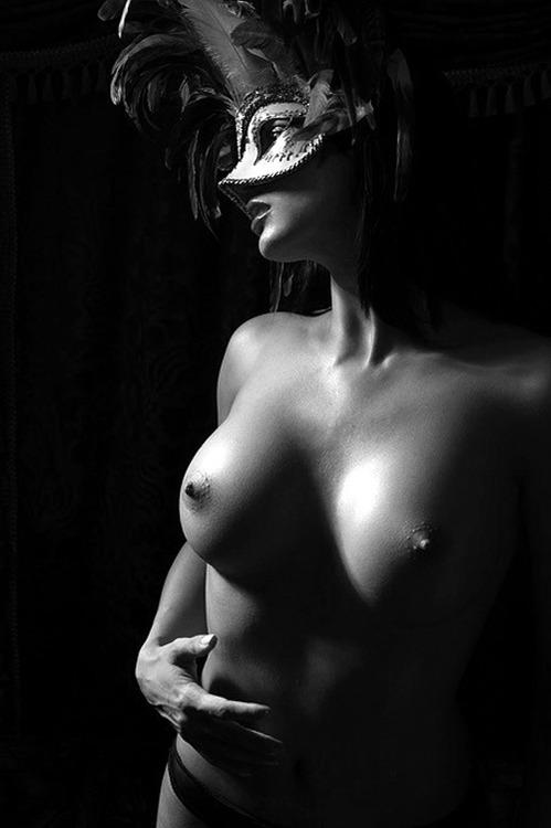 desnudo blano y negro 02