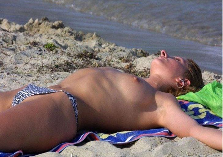 mujeres playa 001