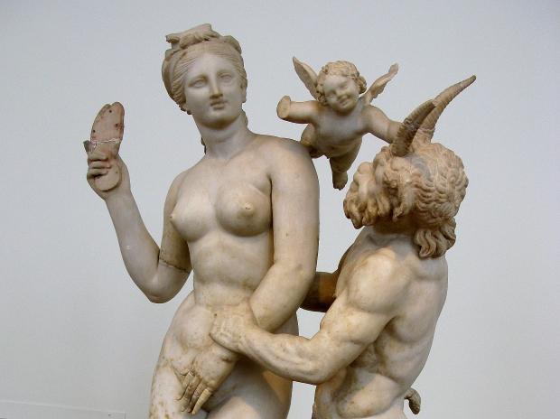 Eros-Afrodita-y-Pan_Tilemahos-Efthimiadis