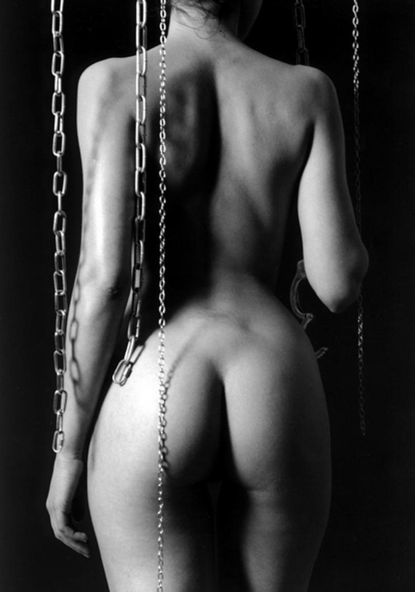 Resultado de imagen para mujer desnuda BLANCO Y NEGRO