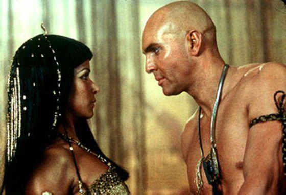 egipcios antiguos en la cama 1