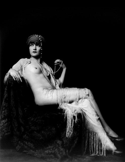 Alfred_Cheney_Johnston_Ziegfeld_Follies__vintage